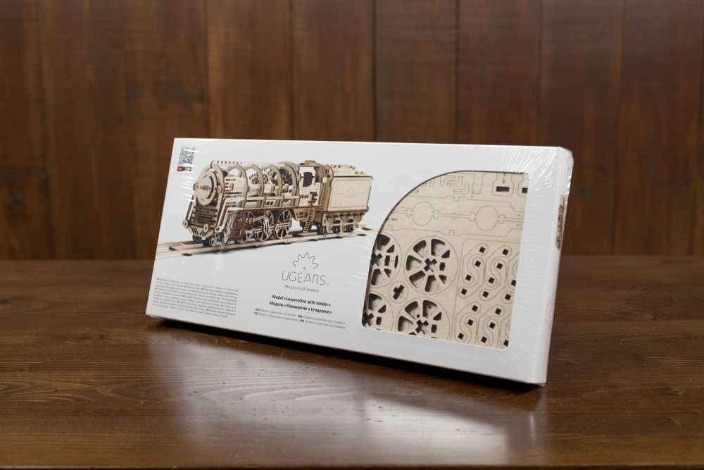 ugears steam locomotive packing