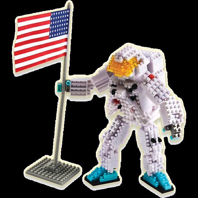 Astronaut 3D Pixel Puzzle by Bepuzzled