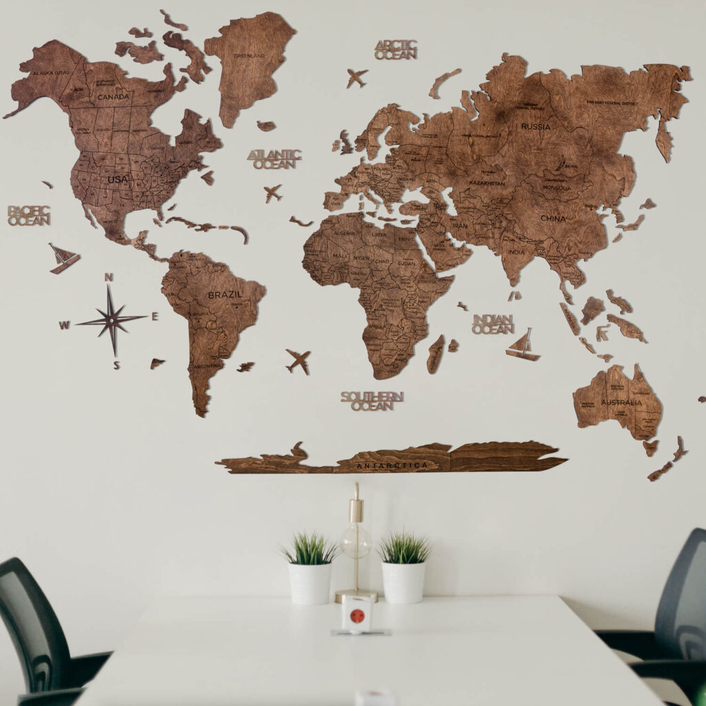 Wood World Map Puzzle brown