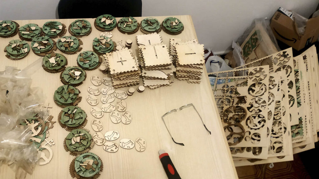 Gearly Puzzle Laser Cutting